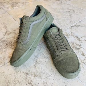 Men's Vans Green 11.5 Low-Top Suede / Canvas
